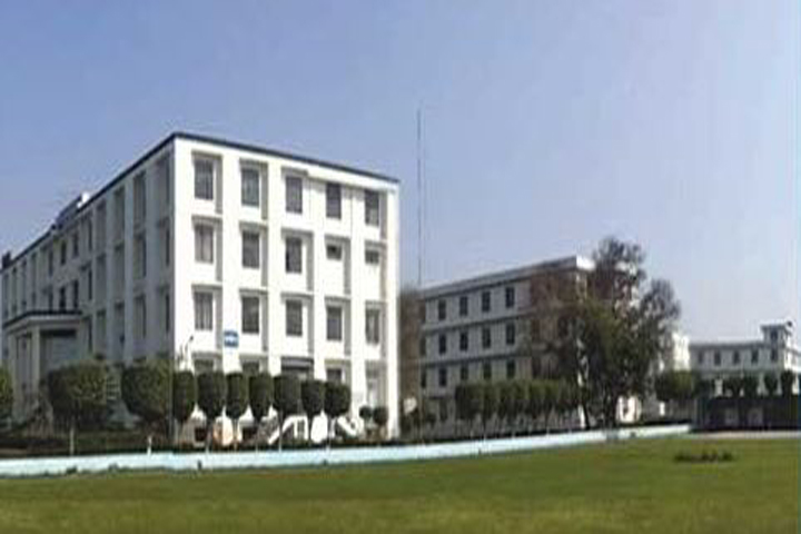 https://cache.careers360.mobi/media/colleges/social-media/media-gallery/2409/2018/10/16/Campus-View of RD Engineering College Ghaziabad_Campus-View.JPG